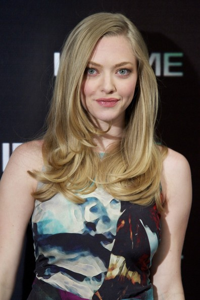 More Pics of Amanda Seyfried Lipgloss (1 of 31) - Lipgloss Lookbook - StyleBistro