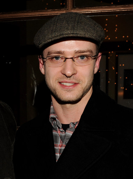cb74be3a1570f Justin Timberlake Is Stylish in a Newsboy Cap - Celebrity Clothes ...