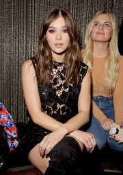 Hailee Steinfeld accessorized with a trio of statement rings at the 'Believer' Spirit Day concert.