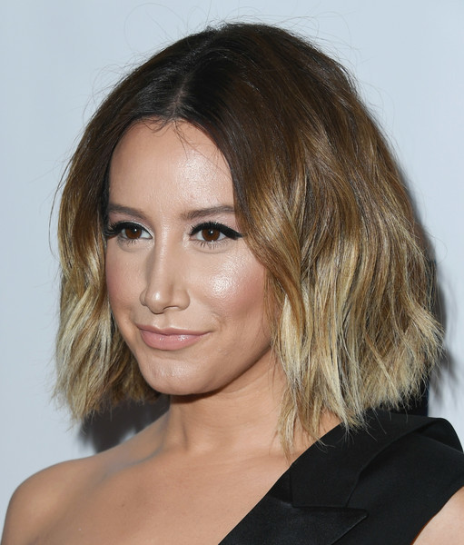 More Pics of Ashley Tisdale Short Wavy Cut (1 of 11) - Ashley Tisdale Lookbook - StyleBistro [hair,face,hairstyle,eyebrow,chin,shoulder,blond,layered hair,beauty,brown hair,ashley tisdale,beverly hills,california,the beverly hilton hotel,juvenile diabetes research foundation,15th annual imagine gala - arrivals,15th annual imagine gala]