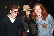 Jessica wore a camel colored fedora with her casual ensemble while posing with Shaun and Patrick.