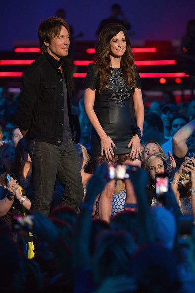 Kacey Musgraves Leather Dress [performance,entertainment,music artist,event,performing arts,public event,stage,fashion,audience,electric blue,kacey musgraves,r,keith urban,award,nashville,tennessee,bridgestone arena,cmt music awards,show]