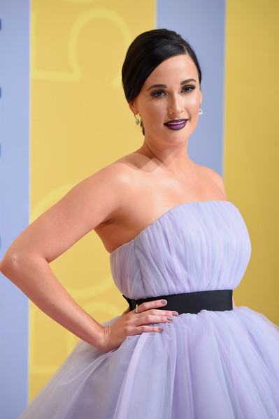 Kacey Musgraves Gray Nail Polish [dress,clothing,shoulder,gown,strapless dress,bridal party dress,skin,beauty,cocktail dress,hairstyle,arrivals,kacey musgraves,cma awards,nashville,tennessee,bridgestone arena]