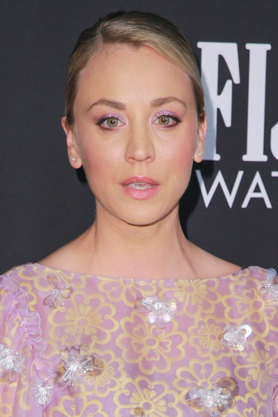 Kaley Cuoco Ponytail [hair,face,hairstyle,eyebrow,lip,shoulder,beauty,chin,fashion,blond,arrivals,kaley cuoco,instyle awards,the getty center,los angeles,california]
