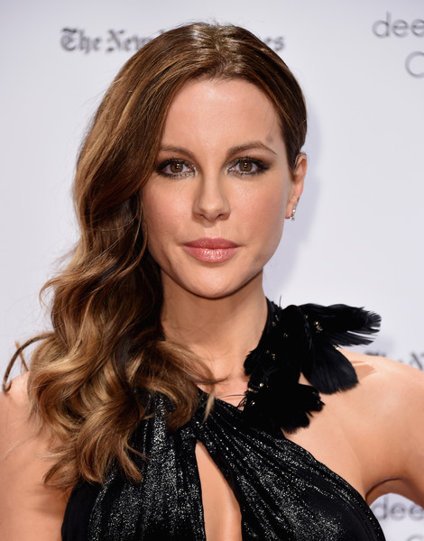 Kate Beckinsale Side Sweep