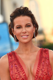 Kate Beckinsale looked romantic with her loose bun at the 2018 Deauville American Film Festival.