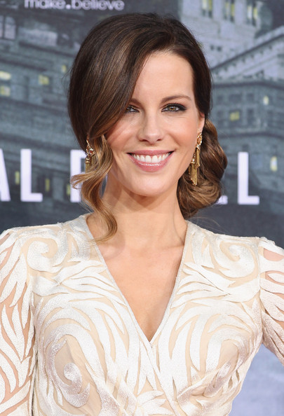Kate Beckinsale Side Swept Curls