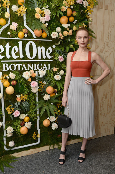 Kate Bosworth Strappy Sandals [dress,floral design,plant,floristry,flower,citrus,flower arranging,orange,peach,wildflower,ketel one launches,kate bosworth,a new first-of-its-kind spirit at 620 loft garden,new york city,ketel one botanical,launch]