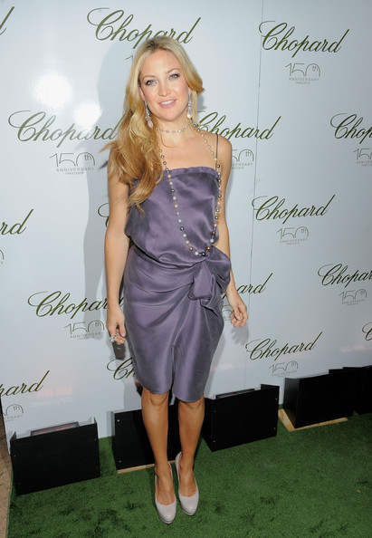 Kate Hudson Cocktail Dress [photo,clothing,dress,shoulder,cocktail dress,hairstyle,fashion,purple,footwear,blond,long hair,arrivals,kate hudson,excellence,new york city,chopard celebrates,the frick collection,gala]