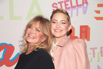 Kate Hudson Goldie Hawn Stella McCartney's Autumn 2018 Collection Launch