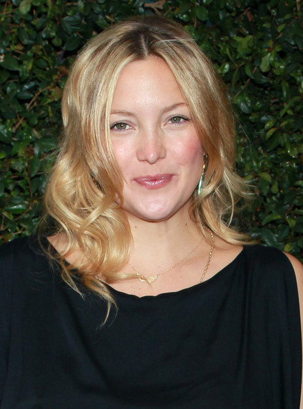 Kate Hudson Long Wavy Cut [hair,face,blond,hairstyle,eyebrow,chin,layered hair,long hair,beauty,lip,kate hudson,ron kelly meyer,benefit dinner,ocean initiative,home,malibu,california,chanel,the natural resources defense council]