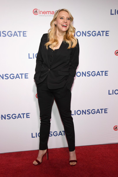 Kate McKinnon Pantsuit [invites you to an exclusive presentation highlighting its 2018,cinemacon 2018 lionsgate invites you to an exclusive presentation highlighting its 2018,clothing,carpet,red carpet,footwear,premiere,fashion,outerwear,event,flooring,shoe,kate mckinnon,the colosseum,caesars palace,nevada,cinemacon,lionsgate,beyond,convention]