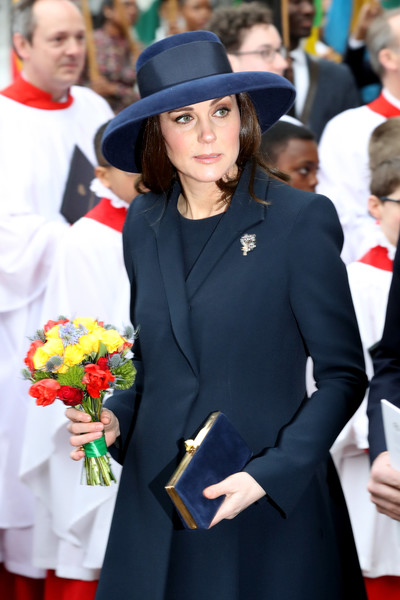 Kate Middleton Suede Clutch [lady,fashion,event,headgear,street fashion,hat,uniform,tradition,fashion accessory,suit,catherine,service,duchess,service,cambridge,westminster abbey,london,england,reception,commonwealth day]