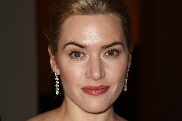 Kate Winslet Dangling Diamond Earrings [face,hair,eyebrow,lip,forehead,cheek,chin,hairstyle,skin,nose,arrivals,dress,kate winslet,max chaoul,dinner,charity ambassador,uk,cardboard citizens,tabloid newspapers,event]