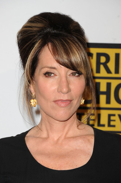 Katey Sagal Gold Dangle Earrings