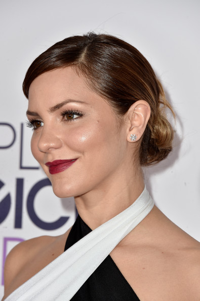Katharine McPhee Classic Bun [hair,eyebrow,beauty,hairstyle,chin,fashion model,shoulder,neck,long hair,eyelash,peoples choice awards,part,california,los angeles,nokia theatre la live,arrivals,katharine mcphee]