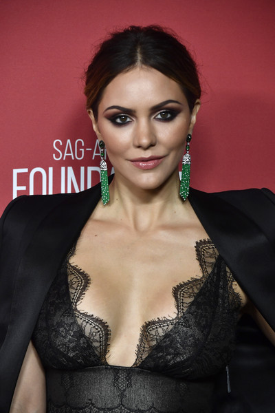 Katharine McPhee Messy Updo [hair,face,beauty,skin,eyebrow,hairstyle,lip,fashion,shoulder,fashion model,sag-aftra foundation patron of the artists awards 2017 - arrivals,wallis annenberg center for the performing arts,beverly hills,california,katharine mcphee]