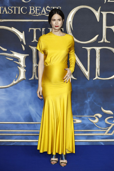 Katherine Waterston Strappy Sandals [fantastic beasts: the crimes of grindelwald,clothing,yellow,fashion model,dress,shoulder,cobalt blue,fashion,premiere,red carpet,electric blue,katherine waterston,uk,cineworld leicester square,england,london,red carpet arrivals,premiere]