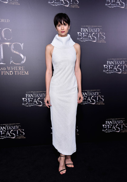Katherine Waterston Strappy Sandals [fantastic beasts and where to find them,dress,clothing,shoulder,cocktail dress,fashion,carpet,fashion model,neck,flooring,joint,katherine waterston,fantastic beasts and where to find them world premiere,new york city,lincoln center,alice tully hall,world premiere]