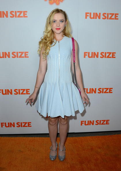 Kathryn Newton Cocktail Dress [clothing,dress,cocktail dress,fashion,footwear,hairstyle,premiere,carpet,red carpet,fashion model,arrivals,kathryn newton,fun size,lot,california,hollywood,paramount theater,paramount pictures,premiere]