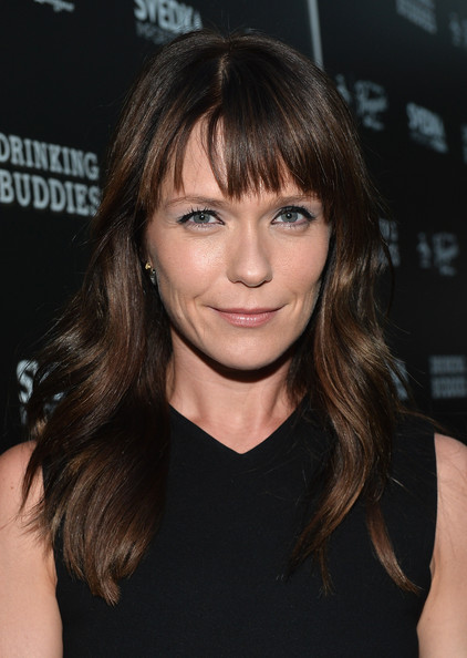 Katie Aselton Long Wavy Cut with Bangs