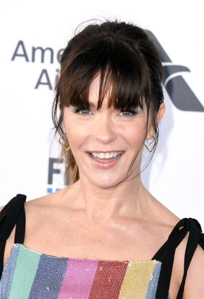 Katie Aselton Ponytail [hair,hairstyle,face,bangs,chin,shoulder,forehead,black hair,bob cut,neck,arrivals,katie aselton,film independent spirit awards,santa monica,california]