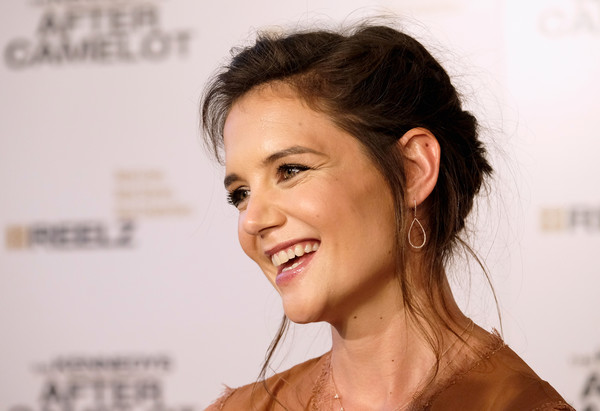 Katie Holmes Gold Hoops [the kennedys,camelot,the kennedys after camelot,hair,face,eyebrow,chin,skin,hairstyle,facial expression,forehead,nose,lip,katie holmes,arrivals,beverly hills,california,the paley center for media,reelz,premiere]