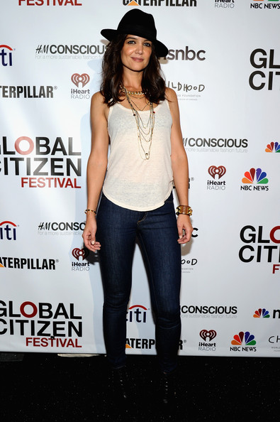 Katie Holmes Skinny Jeans [clothing,shoulder,fashion,footwear,waist,joint,premiere,headgear,jeans,event,vip lounge,katie holmes,poverty,lounge,central park,new york city,global citizen festival in central park to end extreme poverty]