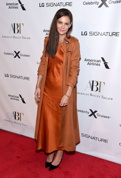 Katie Holmes Trenchcoat [clothing,red carpet,carpet,orange,brown,flooring,hairstyle,fashion,formal wear,outerwear,american ballet theatre 2019 fall gala,david h. koch theater,new york city,lincoln center,katie holmes]