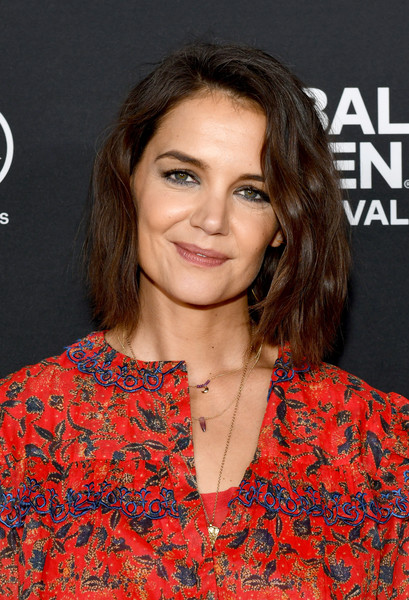 Katie Holmes Short Wavy Cut [beauty,fashion model,hairstyle,shoulder,long hair,flooring,brown hair,girl,carpet,premiere,global citizen festival: be the generation,lounge,new york city,central park,katie holmes]
