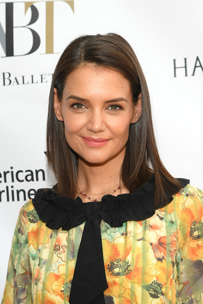 Katie Holmes Medium Straight Cut [katie holmes,hair,face,hairstyle,eyebrow,lip,beauty,skin,shoulder,brown hair,chin,american ballet theatre 2019 spring gala,new york city,metropolitan opera house]