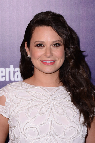 Katie Lowes Long Wavy Cut