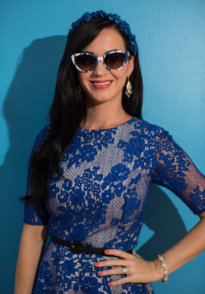 Katy Perry Skinny Belt [the smurfs 2 cast hangs out,the smurfs 2,eyewear,hair,blue,clothing,sunglasses,cool,shoulder,beauty,fashion,electric blue,katy perry,cancun,mexico,ritz carlton hotel,sony,photo call]