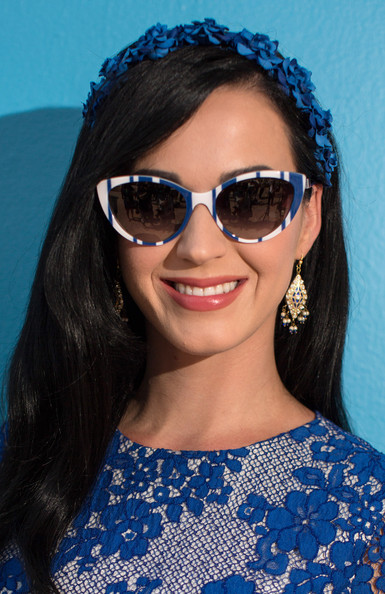 Katy Perry Gold Chandelier Earrings [the smurfs 2 cast hangs out,the smurfs 2,eyewear,sunglasses,hair,face,cool,glasses,blue,beauty,hairstyle,vision care,katy perry,cancun,mexico,ritz carlton hotel,sony,photo call]
