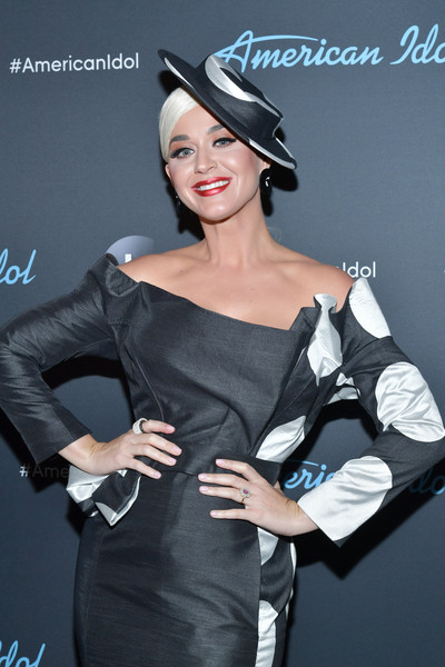 Katy Perry Wide Band Ring [american idol,american idol finale,clothing,beauty,hairstyle,lady,dress,fashion,shoulder,lip,joint,headgear,arrivals,katy perry,california,los angeles,abc]