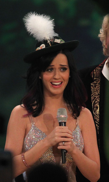 Katy Perry Decorative Hat [fashion,event,headgear,headpiece,singer,singing,smile,hat,fashion accessory,ceremony,germany,katy perry reacts during the 190th wetten dass ...? show at olympiahalle on october 2,munich]