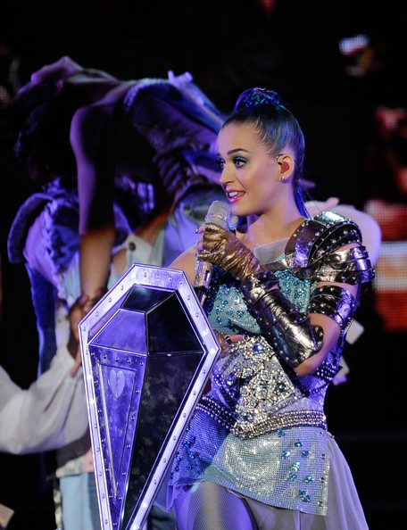 Katy Perry Fingerless Gloves [performance,dancer,performing arts,event,musical theatre,performance art,dance,dancesport,choreography,fashion design,katy perry,kids choice awards,california,los angeles,galen center,nickelodeon,show]