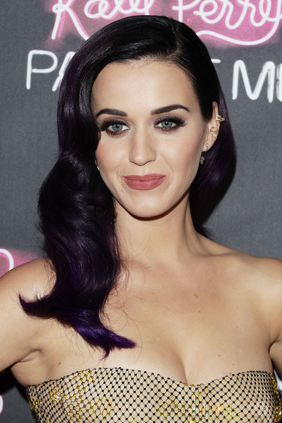 Katy Perry Retro Hairstyle