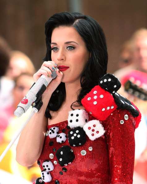 Katy Perry Nail Art [katy perry,beauty,lady,singer,black hair,games,performance,photography,singing,recreation,long hair,new york city,rockefeller center,nbc]