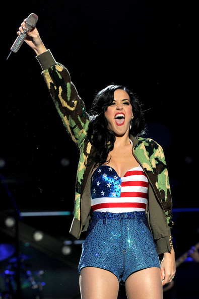 Katy Perry Military Jacket [uso presents ``vh1 divas salute the troops,performance,entertainment,music artist,thigh,singing,abdomen,performing arts,navel,singer,leg,katy perry,vh1 divas salute the troops,mcas miramar,california,uso,pt,show,concert event]