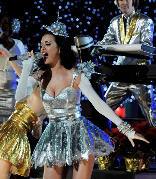 Katy Perry Shrug Sweater [performance,entertainment,dancer,performing arts,music,event,music artist,musician,public event,performance art,katy perry,grammy,california,los angeles,club nokia,concert,show]
