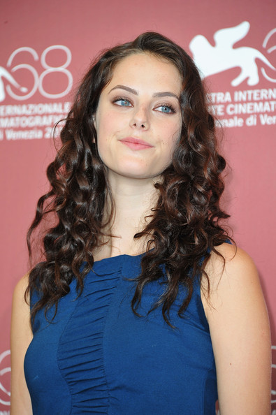 Kaya Scodelario Long Curls [wuthering heights,hair,hairstyle,eyebrow,long hair,beauty,shoulder,black hair,chin,ringlet,brown hair,kaya scodelario,photocall,photocall - 68th,palazzo del cinema,venice,italy,venice film festival,68th venice film festival]