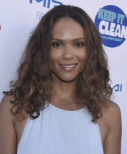 Lesley-Ann Brandt wore her hair down in a cute curly style for the Keep It Clean Comedy Benefit.