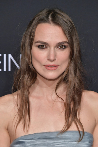 Keira Knightley Long Wavy Cut [elle,hearts on fire,loreal paris,red carpet,hair,eyebrow,beauty,blond,human hair color,hairstyle,chin,fashion model,long hair,layered hair,los angeles,beverly hills,california,25th annual women in hollywood celebration,calvin klein,keira knightley]