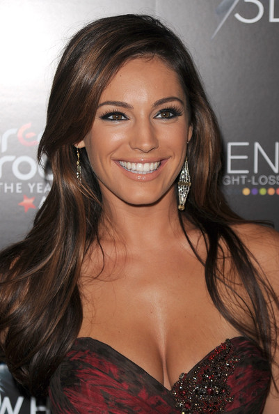 Kelly Brook Long Side Part [hair,hairstyle,brown hair,eyebrow,beauty,lip,long hair,eyelash,blond,smile,arrivals,kelly brook,crest 3d white,breakthrough of the year awards,west hollywood,california,pacific design center]