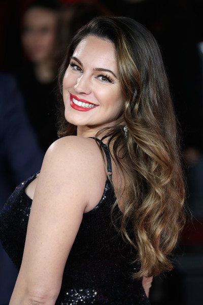 Kelly Brook Long Wavy Cut [murder on the orient express,hair,face,hairstyle,eyebrow,lip,long hair,beauty,lady,chin,blond,red carpet arrivals,kelly brook,england,london,royal albert hall,world premiere]