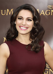 Kelly Brook's shining chocolate tresses are always gorgeous.
