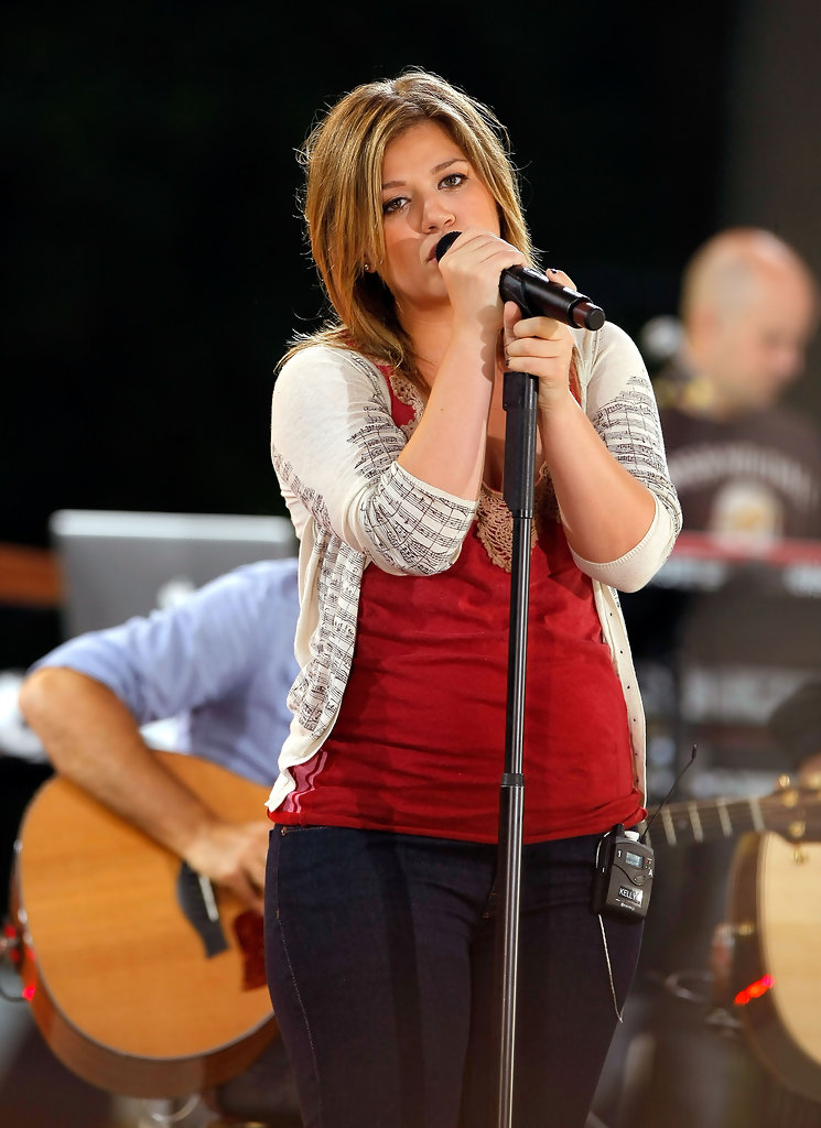 More pics of kelly clarkson heart tattoo 41 of 48 for Kelly clarkson tattoo