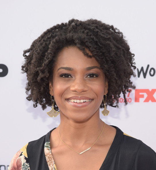Kelly McCreary Short Curls [youre the worst,hair,hairstyle,black hair,jheri curl,eyebrow,human,ringlet,afro,forehead,lip,kelly mccreary,arrivals,premiere screening,married,california,hollywood,premiere screenings for fx,fx,paramount studios]