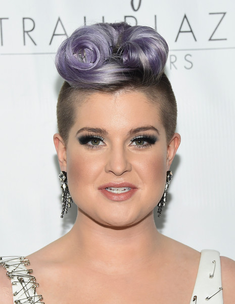 Kelly Osbourne Bobby Pinned updo